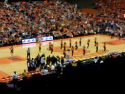 SU hoops dance team