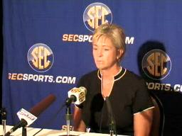 Auburn women's basketball coach Nell Fortner