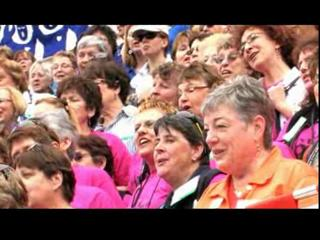 Sweet Adelines Mass Sing on Courthouse Steps