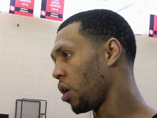 Trail Blazers practice: Roy looks, sounds better; Camby will practice Thursday