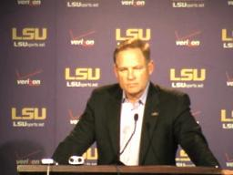 LSU video: Les Miles press conference, 10-04-10