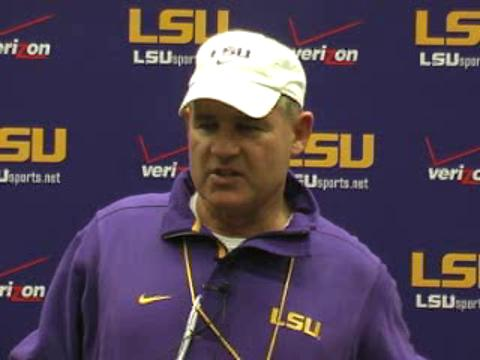 LSU football Coach Les Miles meets with the media: video