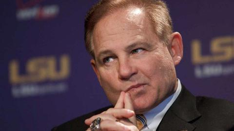 LSU Head Coach Les Miles Makes Statement About Coaching at LSU