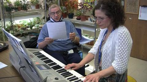 MetroHealth studies show music therapy reduces pain