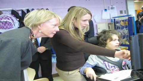Cathie Black visits Staten Island's Hungerford School