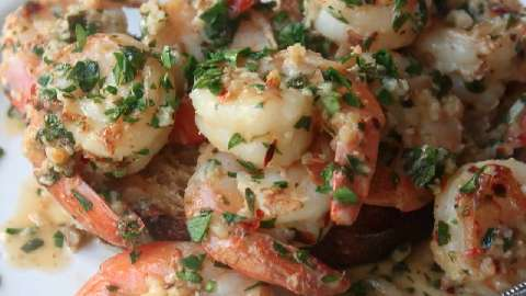 How to Make Simple Garlic Shrimp