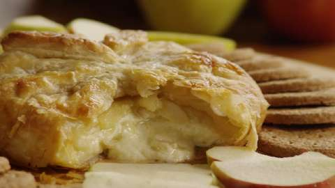 Baked Brie in Puff Pastry