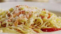 Fettuccine with Sweet-Pepper Cayenne Sauce
