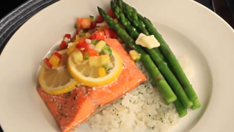 Low-Cal Salmon and Fruit Salsa Dinner