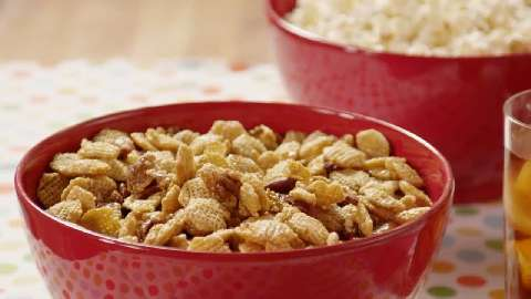 snack mix recipe goldfish cracker snack mix salty christmas snack mix ...