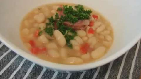 Recipes for pork hocks and beans