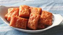 Chef John's Cheesy Crackers