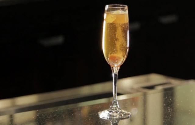 New year 39 s drinks with alcohol recipes for Champagne mixed drinks
