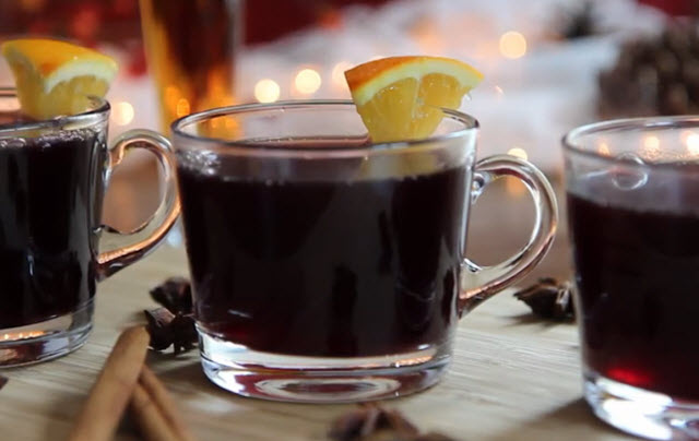 Hot Spiced Christmas Wine