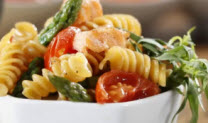 Pasta with Asparagus, Salmon and Tomato