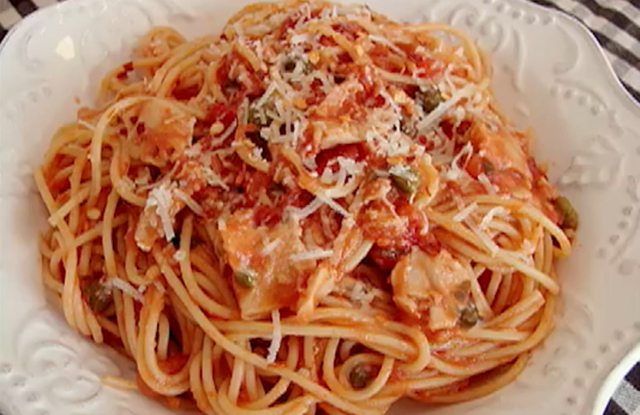 Spaghetti with Red Clam Sauce