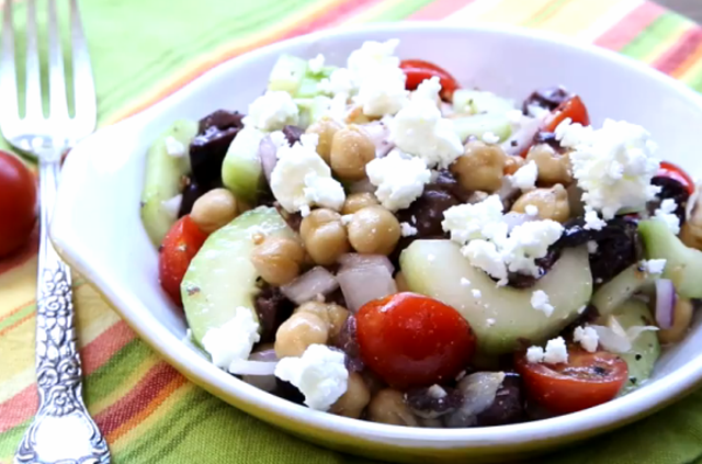 greek garbanzo bean salad a quick and easy greek salad with garbanzo ...