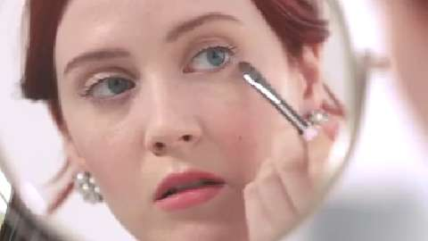 How to conceal dark circles under eyes