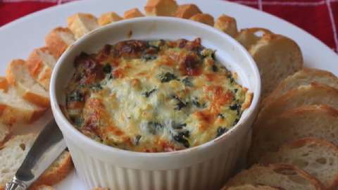 How to Make Spinach and Artichoke Dip