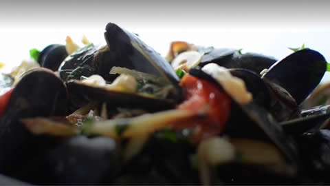 Mussels in a Fennel &amp; White Wine Broth