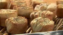 How to Make Poppy Seed Rolls