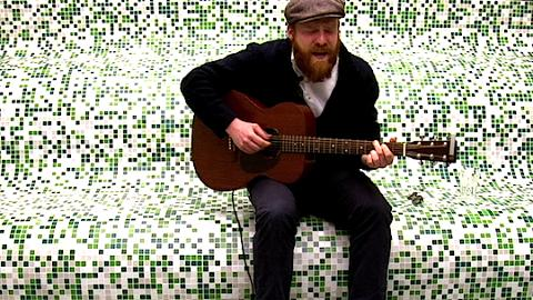 "Rekorder: Rekorder: Alex Clare singt ""Too Close"""