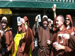 Oregon Brewer's Festival kicks off with &quot;beer parade.&quot;