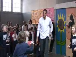 Video: Blazers' Batum visits Portland school
