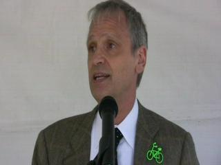 Blumenauer loses the bow tie to 'mess' with LaHood