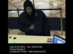 Suspect seen robbing M&T Bank in downtown Syracuse