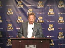 Les Miles's weekly press conference