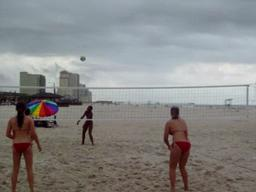Beach volleyball opens 2010 season