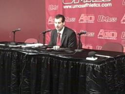 Derek Kellogg earns first home win as UMass coach
