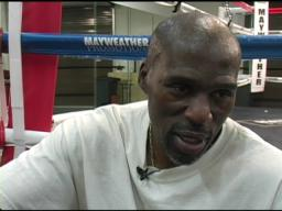 Roger Mayweather: Makes sense for Mayweather to face Pacquiao-C