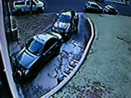 Thieves rummage through cars in Dongan Hills