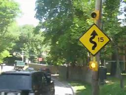 New traffic sign unveiled on Dongan Hills street