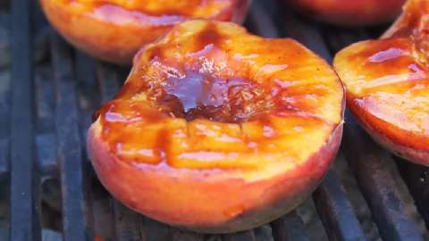 How to Make BBQ Peaches
