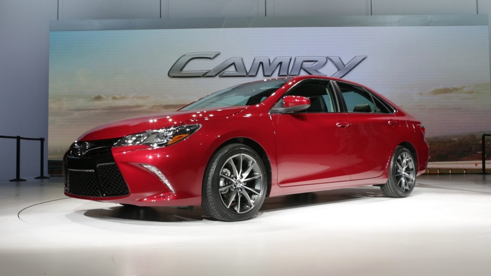 2015 toyota camry preview consumer reports video hub. Black Bedroom Furniture Sets. Home Design Ideas