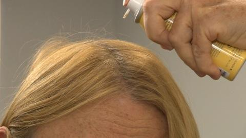 Root touch-ups between hair coloring