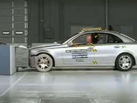 Mercedes-Benz E-Class crash test 2003-2006