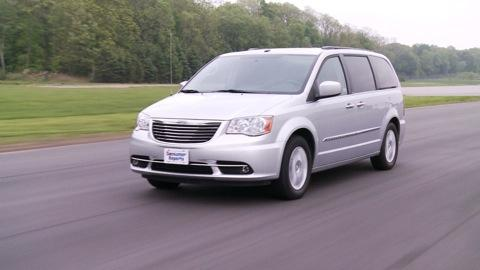 Chrysler Town & Country 2011-2015 Road Test
