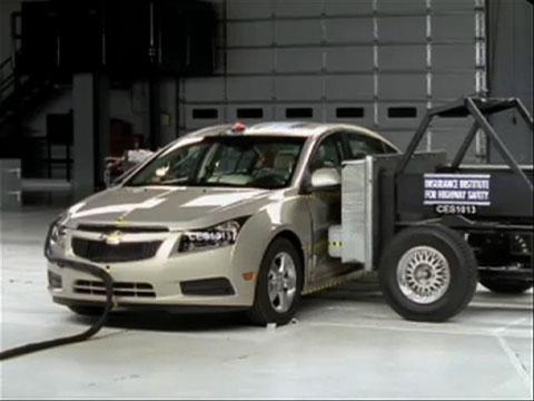 Chevrolet Cruze crash test 2011-2012