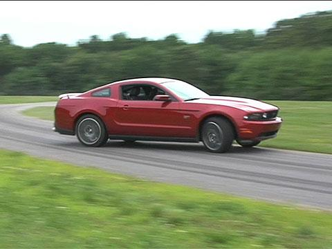 Ford Mustang 2010 Review
