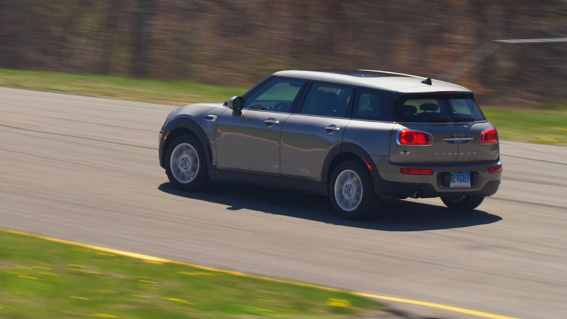 Baby cribs reviews consumer reports - The Largest Member Of The Mini Family The Clubman Retains The Brand S Fun And Funky 2016 Mini Cooper Clubman Review