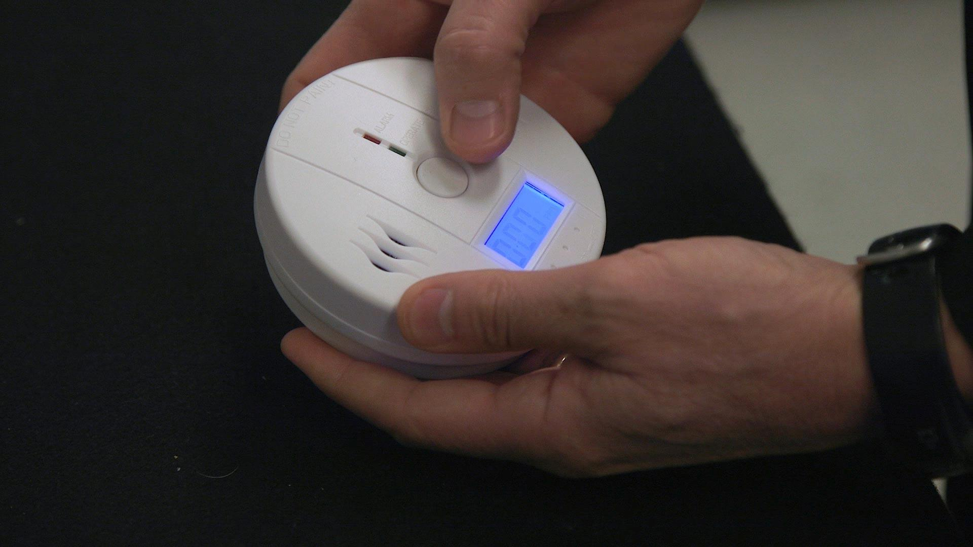 Baby cribs reviews consumer reports - Consumer Reports 3 Co Alarms Pose Safety Risk
