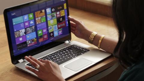 Vanessa tests the HP Spectre Touchsmart Ultrabook with Windows 8