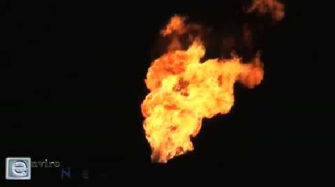 Nighttime Reconnaissance Mission by Neighborhood Citizen-Journalist Met By Angry Plant Workers While Capturing Huge Burn-Off at Holly Oil Refinery