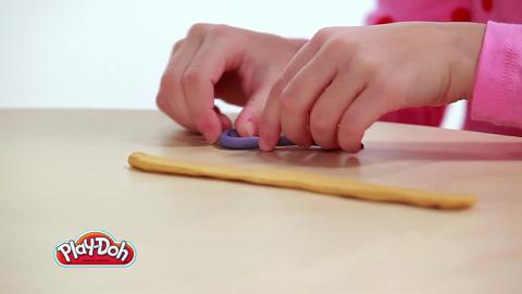 Play-Doh Look What I Made Bracelet Video