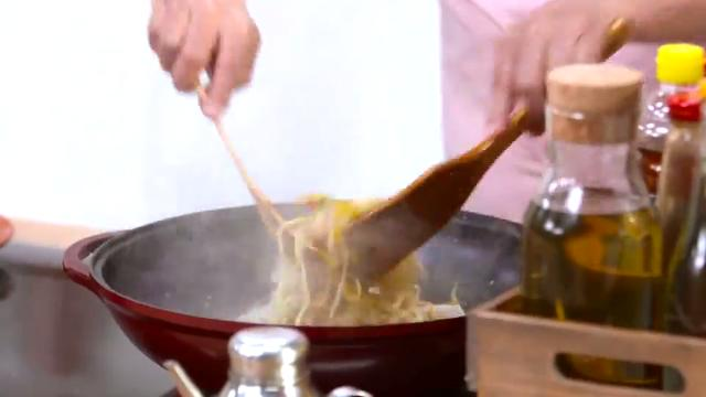 How to Stir Fry | Martin Yan's Asian Favorites