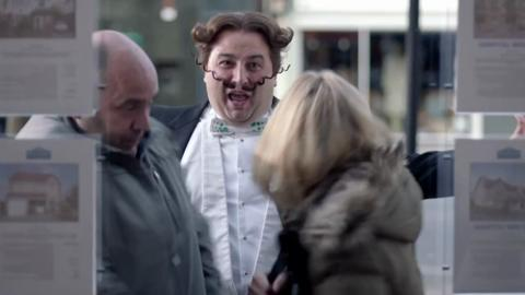 Go Compare Advert - Stephen Hawking Kills Gio
